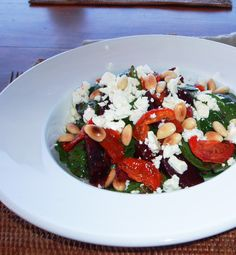 Keswick Island Guest House: Roasted Beetroot Salad With Fetta Cheese, Semi-Dried Tomatoes, Roasted Peanuts & Baby Spinach Leaves.