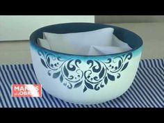 Técnicas decorativas en azul y blanco de temporada by Clau de La Torre en Manos a la Obra TV - YouTube