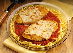 The classic Italian favorite has it all. Linguine pasta, tender, lightly breaded chicken, tomato sauce and irresistible, melted, mozzarella cheese. All in less than 35 minutes. Mama mia!