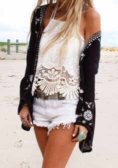 bEAUTIFUL WOMAN OUTFIT:shorts,shirt,swag,accesories,fashion,vintage,blonde,tanned,beach,