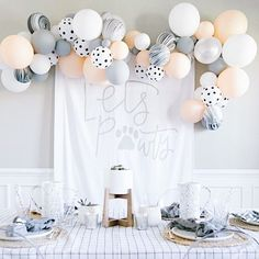 🐾🐾🐾 As a dog family, this paw-ty speaks to me. CUTEST puppy party ever by Beaus & Ashley with and… Dog First Birthday, Puppy Birthday Parties, 2nd Birthday Party Themes, Puppy Party, Animal Birthday, Birthday Party Decorations, Birthday Ideas, Dog Themed Parties, Dog Parties