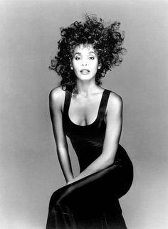 Whitney Houston.1987. So beautiful!