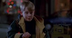 New party member! Tags: hello hi waving christmas movies macaulay culkin home alone 2 home alone 2 lost in new york