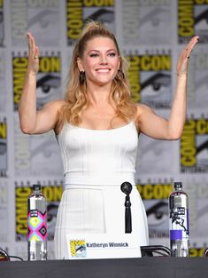 "Katheryn Winnick Photos - Katheryn Winnick speaks onstage at History's ""Vikings"" panel during Comic-Con International 2018 at San Diego Convention Center on July 2018 in San Diego, California. Katheryn Winnick Vikings, Vikings Lagertha, Photo Comic, Viking S, Canadian Actresses, Celebs, Celebrities, Hollywood Stars, Beautiful Actresses"