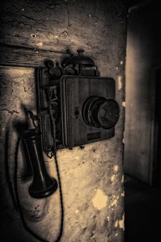 Old phone for kitchen - yikes looks like a scary basement phone really