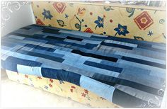 Sofabezug aus Jeansresten / Sofa cover made from pairs of jeans / Upcycling