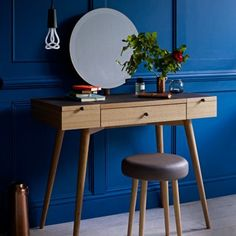 The elegant dressing table