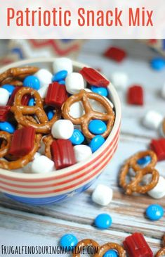 Snack Mix Make this super easy snack mix to take to the of July Barbecue or Memorial Day Cookout!Make this super easy snack mix to take to the of July Barbecue or Memorial Day Cookout! 4th Of July Desserts, Fourth Of July Food, 4th Of July Party, Patriotic Party, 4th Of July Food Sides, 4th Of July Ideas, Easy July 4th Recipes, 4th Of July Camping, Patriotic Crafts