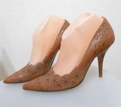 WOMEN NINE WEST cutout pump shoe heels size 7M #NineWest #PumpsClassics