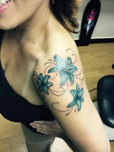 Flower shoulder tattoo, Lillie tattoo,