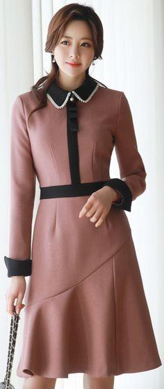 StyleOnme_Pearl Collar Brooch Set Dress #pink #collared #dress #pearl #elegant #feminine #koreanfashion #kstyle #kfashion #seoul