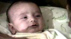 Baby's over de hele wereld gebruiken vijf verschillende geluiden om hun behoeften duidelijk te maken. Zo is er een huiltje voor honger, slaap, boertje, krampjes en moe. Tijdens de opleiding voor deBabycoach leren de deelnemers middels Dunstan Babytaal het huilen van de baby te verstaan. Welke behoefte hoor jij hier? Film 1/2