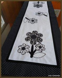 caminho de mesa de aplique com tecido de poa