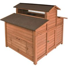 I could make this design using pallets and have the man door in the high part. Hen boxes on one side and roost on the other.