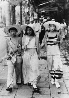 Street fashion, Japan, 1932