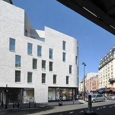 L'agence d'architecture de Stephane Bigoni et Antoine Mortemard viennent de livrer cet immeuble de 18 logements sociaux HQE.