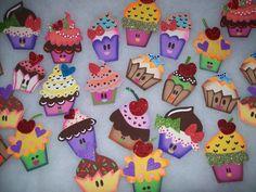 KutewaiiEditions: Manualidades en Foami. | manualidades foami ... Foam Crafts, Diy And Crafts, Crafts For Kids, Paper Crafts, Cupcake Crafts, Felt Kids, Birthday Charts, Felt Crafts Patterns, Valentine Activities