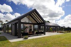 Modern Black House Exterior Design Ideas For Your Inspiration 37 Modern Barn House, Modern House Design, Barn House Design, Br House, House Property, House Floor, Black House Exterior, Exterior Cladding, Shed Homes
