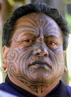 New Zealand- Maori culture Maori Face Tattoo, Ta Moko Tattoo, Face Tattoos, Samoan Tattoo, Tattoo Ink, Arm Tattoo, Sleeve Tattoos, We Are The World, People Around The World