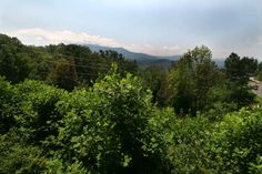Oak View in Gatlinburg, Tennessee: Smoky Mountains View