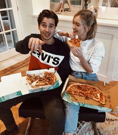 How Dating In College Is Different Than Dating In High School - Relationship Goals Pictures, Cute Relationships, Couple Relationship, Distance Relationships, Boy Best Friend, Best Friend Goals, Cute Couple Pictures, Best Friend Pictures, Cute Couples Goals