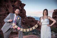 We LUV it when couples bring their own photo props. #valleyoffirewedding #desertwedding Photo: Connie Palen