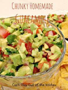 Chunky Homemade Guacamole - sensational #guacamole recipe that's very quick and easy. Great for #tailgating parties. #glutenfree #avocados #tomatoes #Tex-Mex #appetizer via Can't Stay Out of the Kitchen