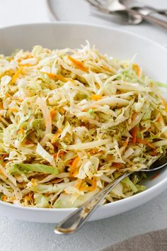 coleslaw recipe no mayo / coleslaw recipe ; coleslaw recipe for pulled pork ; coleslaw recipe no mayo ; coleslaw recipe for fish tacos Coleslaw With Vinegar Dressing, No Mayo Coleslaw, Oil And Vinegar Coleslaw, Creamy Coleslaw, No Mayonnaise Coleslaw Recipe, Oil Based Coleslaw Recipe, Vinaigrette Dressing, Dressing Recipe, Gastronomia