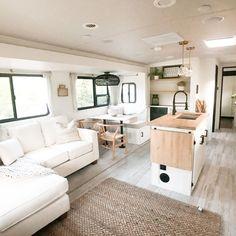 Tiny House Living, Rv Living, Home And Living, Rv Homes, Camper Makeover, Camper Renovation, Remodeled Campers, Decoration, Vans