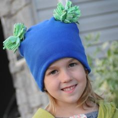 Cutest fleece hat with pom poms that every little girl will love this fall and winter. It is easy to make and comes with size up to 12 girls.