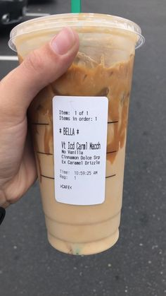 This is literally so good. Especially for those of you have a sweet tooth. Healthy Starbucks Drinks, Starbucks Secret Menu Drinks, Iced Coffee Drinks, Starbucks Iced Coffee, Yummy Drinks, Starbucks Calories, Frozen Coffee Drinks, Coffee Coffee, How To Order Starbucks