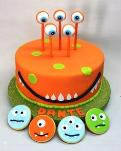 30 Monster Birthday Cakes Animal-Shaped Party Food 101 Fancy Gift Wrapping IdeasHow to Make a Number Cake Monster Birthday Cakes, Monster 1st Birthdays, Monster Birthday Parties, Monster Party, Monster Cakes, Fondant Cakes, Cupcake Cakes, Bolo Original, Bolo Fack