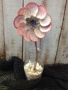 Seashell Flower, Cool Seashell Project Ideas, http://hative.com/cool-seashell-project-ideas/,