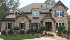Color (minus shutters and ugly trim work) Eldorado Stone - Imagine - Designer's Portfolios - Casa Bella Brown Brick Exterior, Brown Brick Houses, Stone Exterior Houses, Exterior House Colors, Stone Houses, Interior Exterior, Exterior Design, Brick Exteriors, Exterior Trim