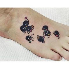 Esta tatuagem fofa de A Viagem de Chihiro: | 33 tatuagens incríveis inspiradas em filmes