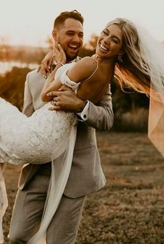 Planning a fall wedding? Make your photo set unforgettable with our stylish and original fall wedding photos from wedding experts. Wedding Picture Poses, Wedding Photography Poses, Wedding Poses, Wedding Photoshoot, Wedding Portraits, Wedding Ideas, Wedding Images, Wedding Pictures, Wedding Photography Inspiration