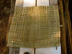 Woven Cattail Mat - Detailed information about how to harvest cattails & weave them into useful mats.