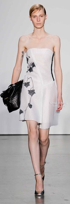Reed Krakoff Spring 2014 is filled with lightweight layering, asymmetrical hemlines & silky dresses,& pants. Fashion Maker, Diva Fashion, Fashion Design, Spring Summer Fashion, Spring 2014, Outfit Look, Silky Dress, Casual Dress Outfits, Black White Fashion