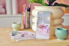 """Lisa Daisy på Instagram: """"Love the #iPhonecase🥰 now available in #Etsyshop and #Society6 🙌🏻 #iPhonecaseart #phonecases #guitarart #musicart #musicillustration…"""""""