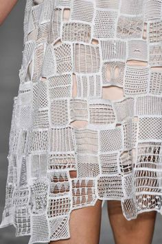 Knitted dress with patchwork tile effect; textiles for fashion; close up fashion design detail // Fernanda Yamamoto Fall 2016 Fashion Fabric, Fashion Art, Fashion Design, Trendy Fashion, Fashion Ideas, Freeform Crochet, Knit Crochet, Textile Manipulation, Fabric Manipulation Techniques