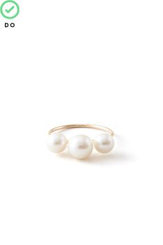 The Dos And Don'ts Of 10 Challenging Trends #refinery29  http://www.refinery29.com/fashion-fears#slide31  Oversized Pearls