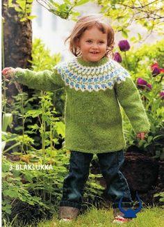 Blaklukka Green - knitting kit - Wool Knitting Kit - Wool Sweaters