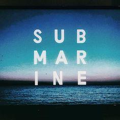 co.coonth/2016/11/18 05:09:31/朝からフランス映画みたいなイギリス映画を観ている。 サントラEPはarctic monkeysのボーカル #サブマリン #film#alexturner#submarinefilm