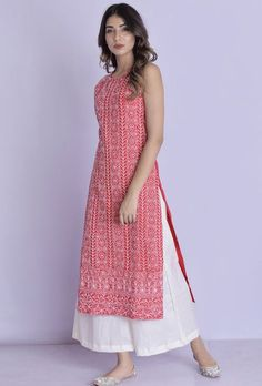 Halter Neck Chikankari Kurta Palazzo Red Halter Neck Chikankari Kurta Palazzo -Chikankari handwork all over the kurta with flared palazzo Simple Kurta Designs, Kurta Designs Women, Blouse Designs, Elegant Designs, Kurtha Designs, Patiala Suit Designs, Indian Designer Outfits, Designer Dresses, Indian Outfits