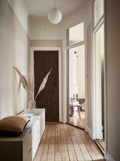 The Nordroom - A Charming Scandinavian Apartment with Original Details and Muted Colors Interior Design Living Room, Interior Decorating, Swedish Interior Design, Diy Bedroom Decor, Diy Home Decor, Entryway Decor, Ikea Nordli, Casa Milano, Flur Design