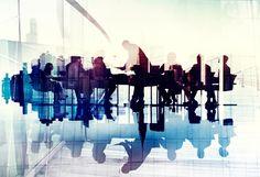 Cette étude fait le point sur les éléments du débat actuel autour de la responsabilité sociale des entreprises (RSE) et examine le lien entre la RSE et la performance économique sur environ 8 500 entreprises françaises, incluant les PME. Au regard de ces enseignements, ce travail propose de nouvelles perspectives pour la RSE qui peuvent se décliner en six actions concrètes. Ces dernières visent à adopter une stratégie plus « territoriale », à cibler des actions d'accompagnement en priorité…