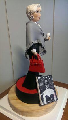Your Majesty — #cake#fondant#fondantcakes#yourmajesty#thedevilwear...