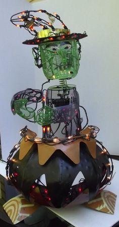 Halloween Animated Light up Witch Stirring her Cauldron Metal Mesh Decoration