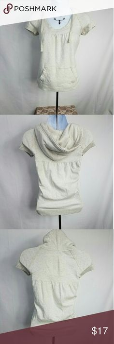 Abercrombie & Fitch Short Sleeve Hoodie Small Good Used Condition Armpit to Armpit - 16 inches Shoulder to Hem - 22 inches Abercrombie & Fitch Sweaters