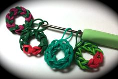 Rubber Band Wreath Charm Without the Rainbow Loom - Uses Just a Crochet ...